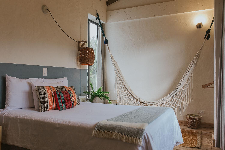 Habitacion 4 y hamaca en Hotel Plantacion