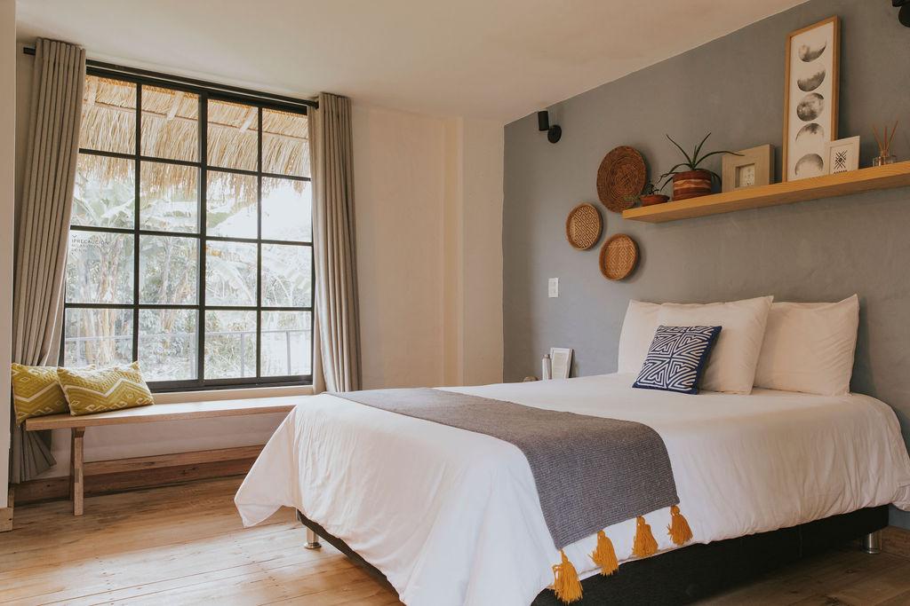 Diseño sostenible en habitación 7 del Hotel Plantación
